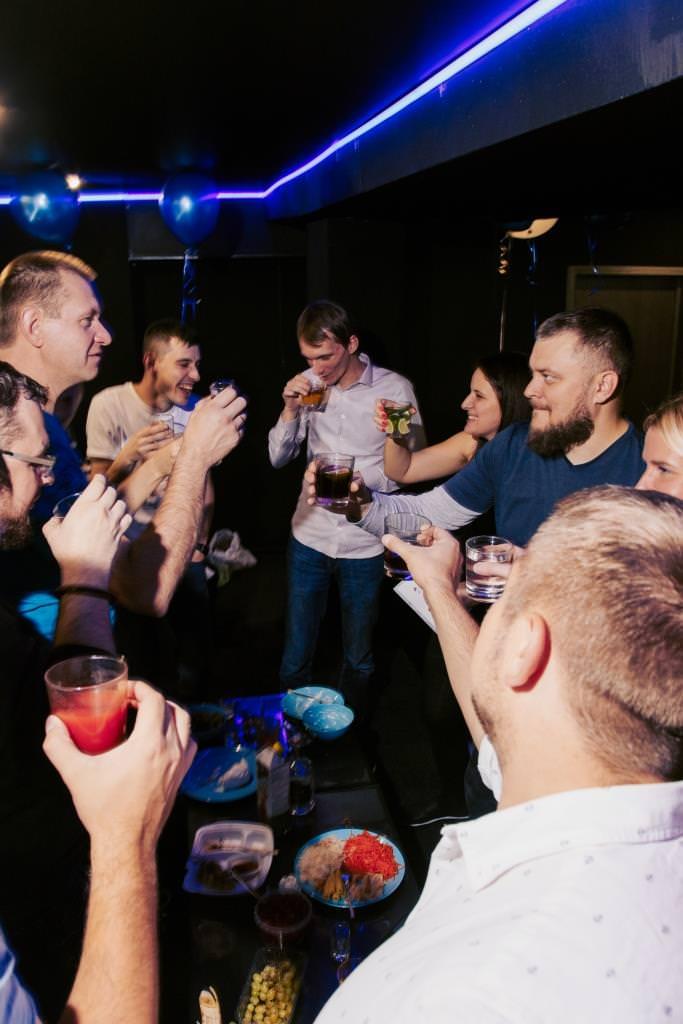 Караоке клубы москвы со своим алкоголем вакансии в москве охрана ночного клуба