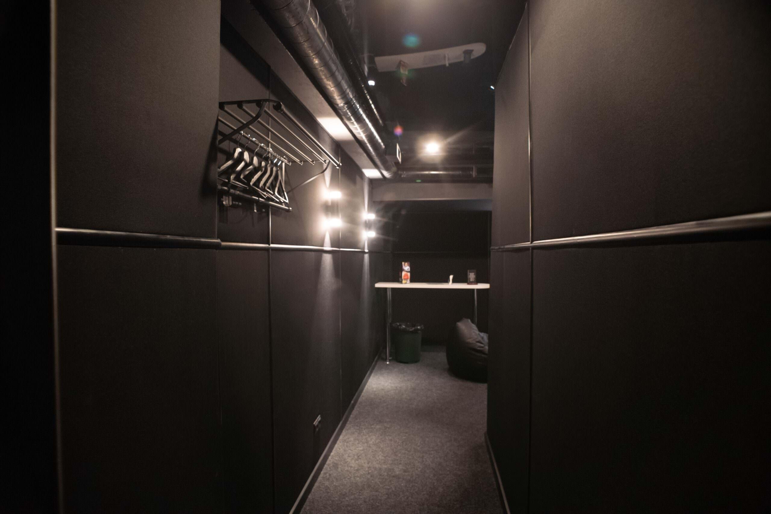 отдельная вип комната №8